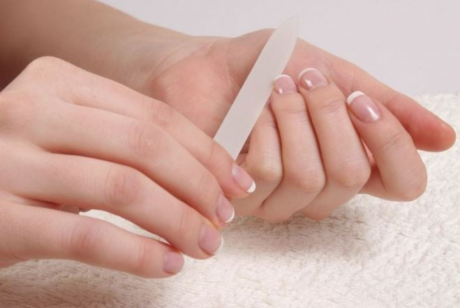 Taking care of your nails at home through coronavirus