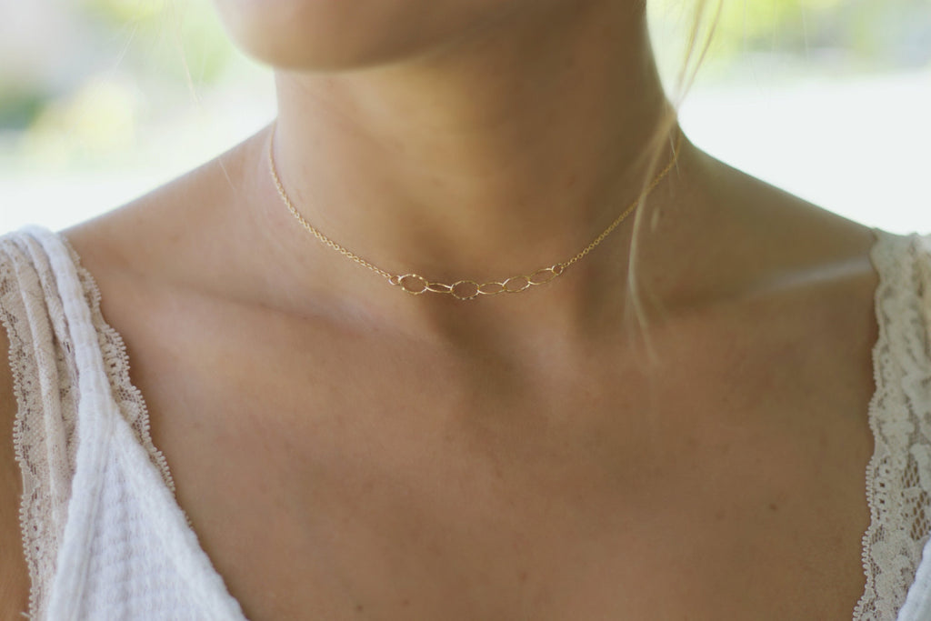 Thin Chain Choker Necklace
