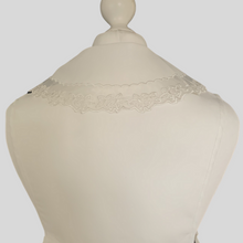 Load image into Gallery viewer, Victoriana Collar