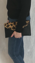 Load image into Gallery viewer, Leopard Print Clutch Bag