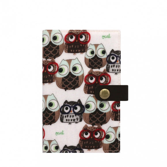 Waterproof Button Passport Cover | UMA096 | Glasses Owl White