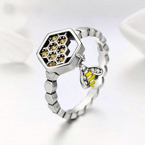 925 Sterling Silver Bee with Honeycomb Ring
