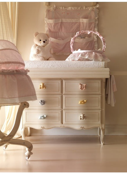 Notte Dresser with animal knobs