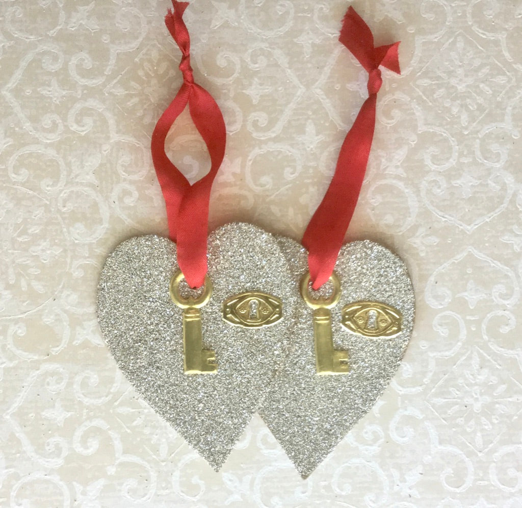 Glittered Hearts Lock & Key Kit