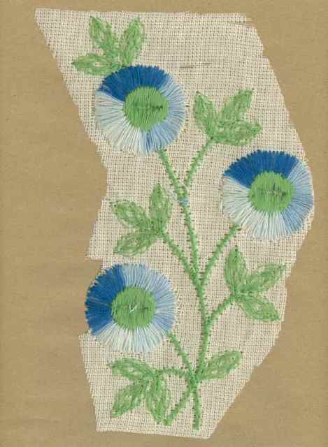 Blue_Vintage_Applique_Large_Triple_Button_Flower