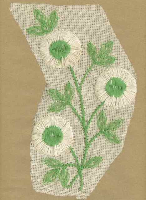 White_Vintage_Applique_Large_Triple_Button_Flower