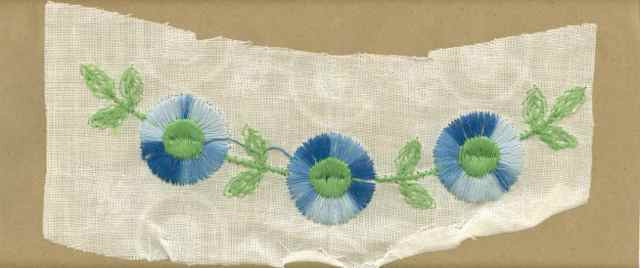 Blue_Vintage_Applique_Arched_Button_Flower