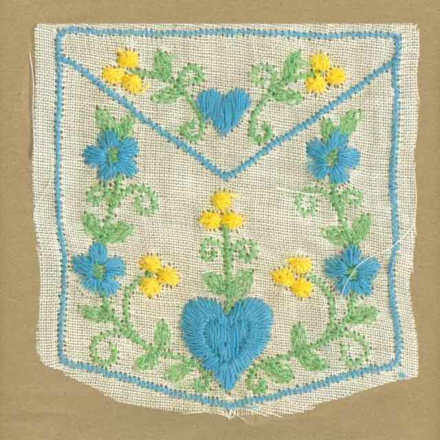 Blue_Vintage_Applique_Pocket