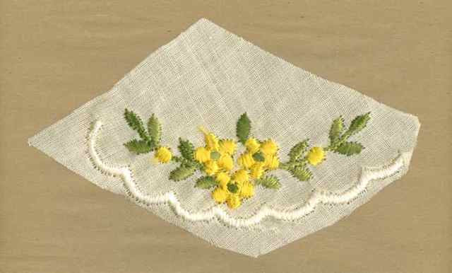 Yellow_Vintage_Applique_Scallop_Collar(?)