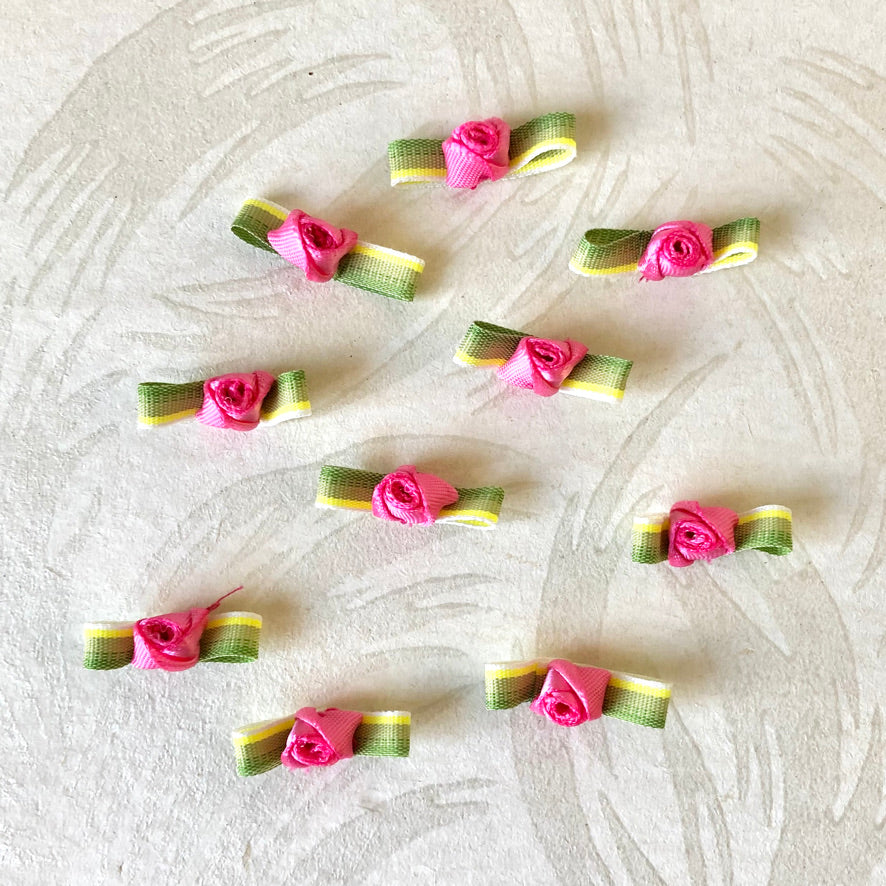Ribbon Rosebuds With Ombre Leaves