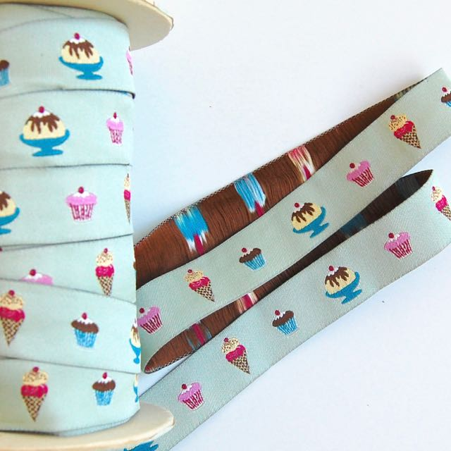 Cupcakes in a Row, Jacquard Ribbon