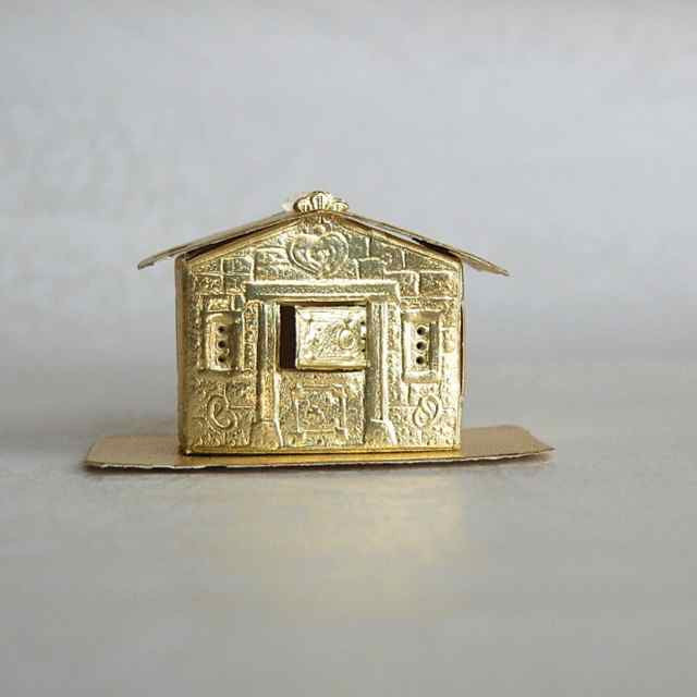 Gold_Dresden_3D_Gingerbread_House