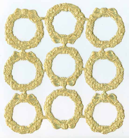 Gold_Dresden_Holly_Wreath