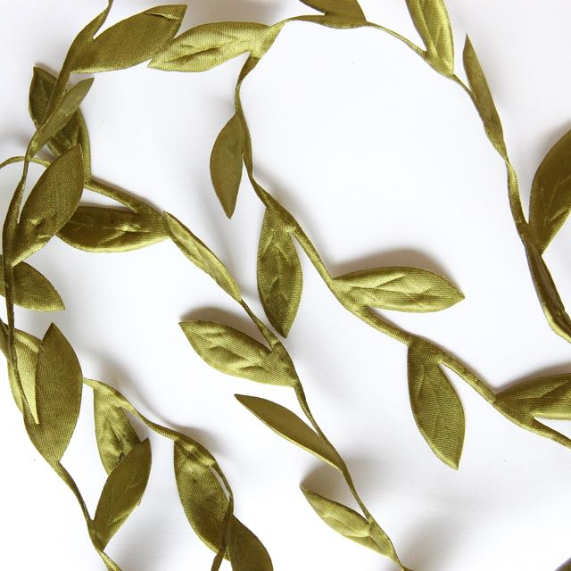 Leaves on Vine Ribbon Trim