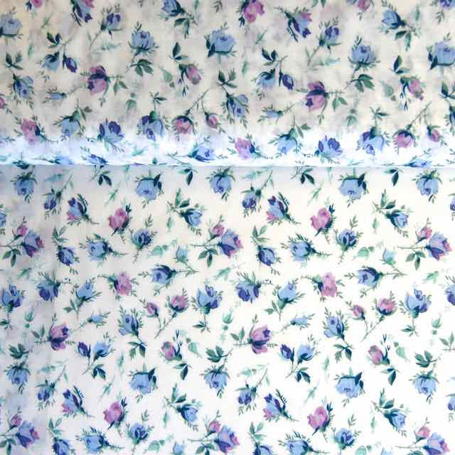 Rose and Hubble Lawn prints Rosebuds white blue