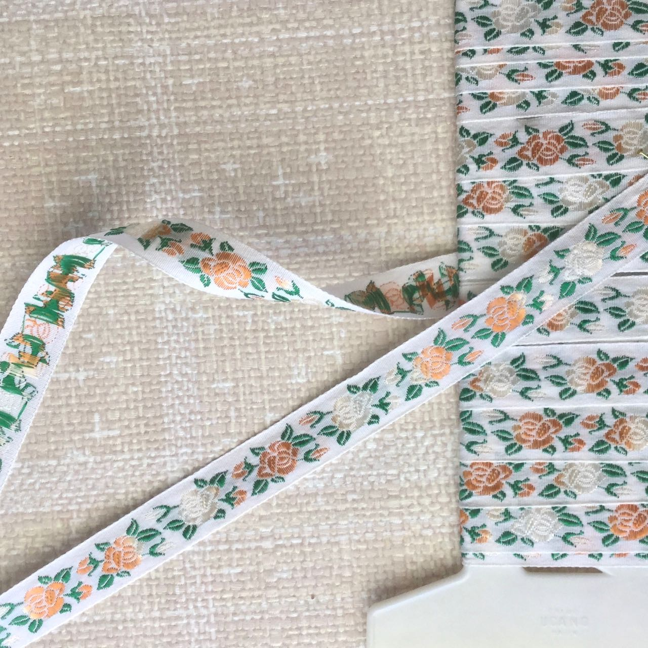 Vintage Woven Roses Rayon Trim