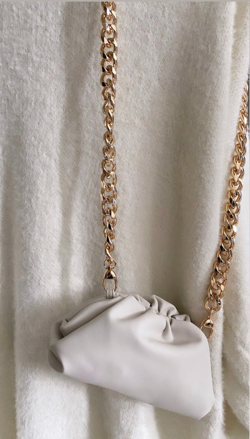 LYDIA MINI CROSSBODY CHUNKY CHAIN POUCH