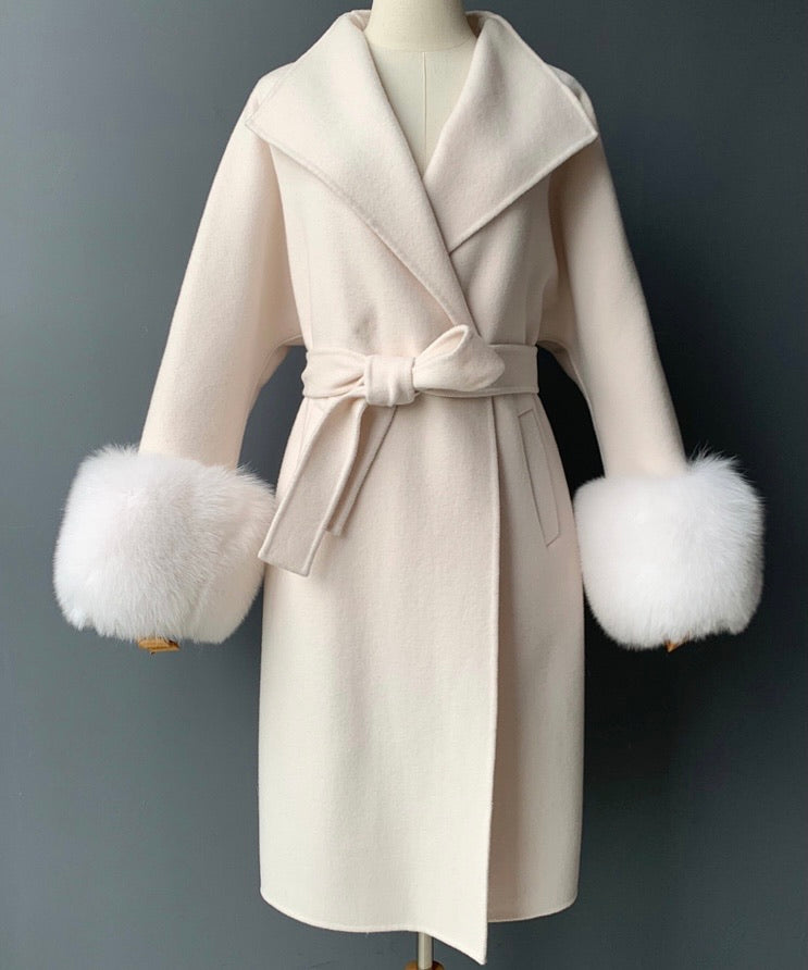 THE MÉRIBEL CASHMERE BLEND FUR CUFF COAT CREMA