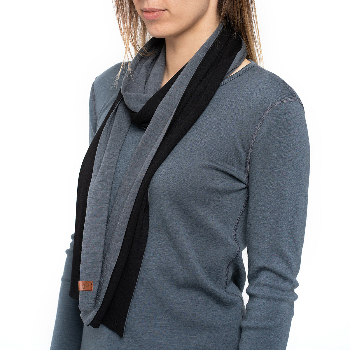 menique Women's Merino Scarf Black/Perfect Grey Color