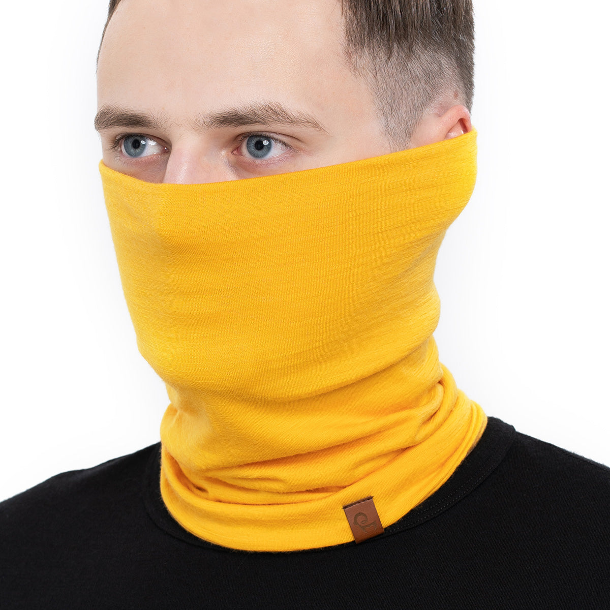 menique Men's Merino Neck Gaiter Power Mango Color