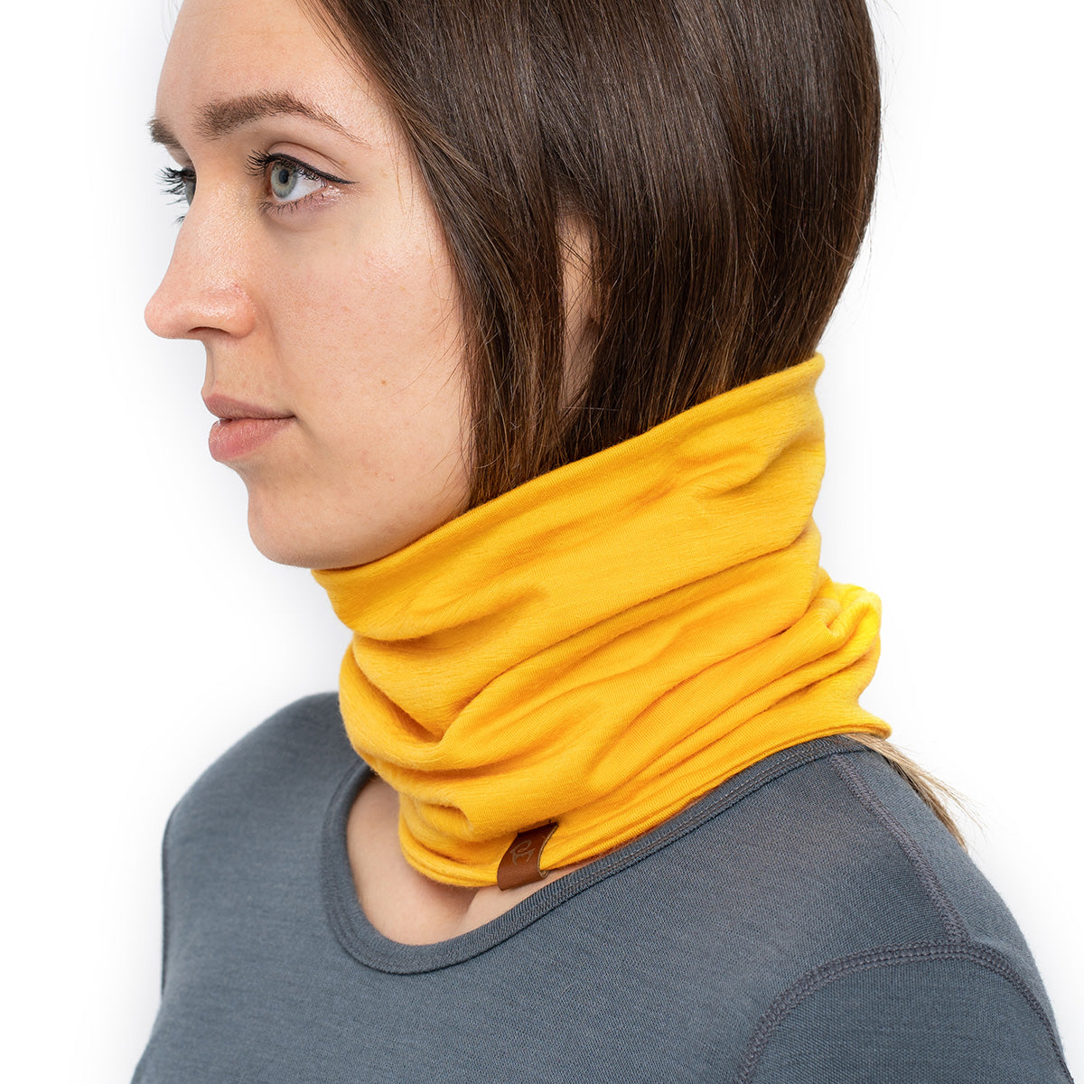 menique Women's Merino Neck Gaiter Power Mango Color