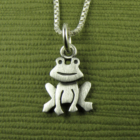 Frog pendant / necklace