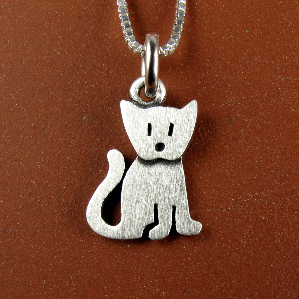 Kitten pendant / necklace (sitting)