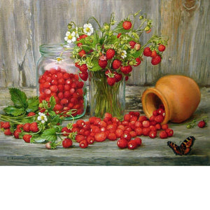 STRAWBERRIES ON THE TABLE  Diamond Painting Kit - DAZZLE CRAFTER