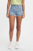 Load image into Gallery viewer, NEW Levi's 501 Short: Daisy Chain