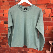 Load image into Gallery viewer, Green Leaf Long Sleeve