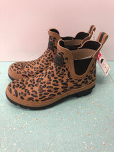 Load image into Gallery viewer, Joules Leopard Rain Boots