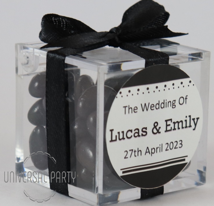 Personalised Square Acrylic Box Filled With Black Jelly Beans - Solid Patterned