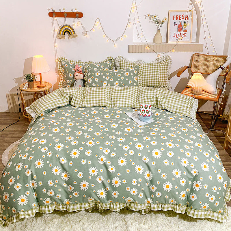 Cute Bedding Set With Ruffles For Girl