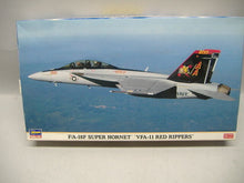 "Laden Sie das Bild in den Galerie-Viewer, Hasegawa 00809 F/A-18F SUPER HORNET ""VFA-11 Red Rippers"" 1:72 Neu & Ovp"