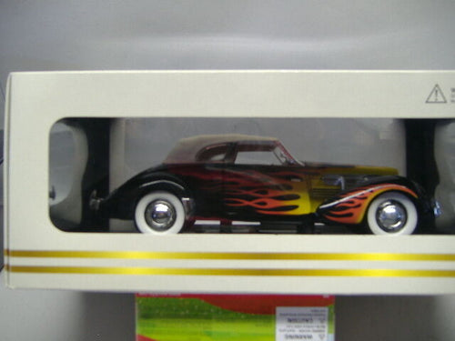 SIGNATURE MODELS CORD 812 SUPERCHARGED 1:18  NEU & OVP