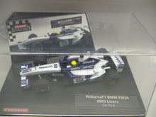 Laden Sie das Bild in den Galerie-Viewer, Carrera Evolution 25705 BMW No. 4  & 25707 Ferrari F 2002 No .2 1:32 NEU & OVP