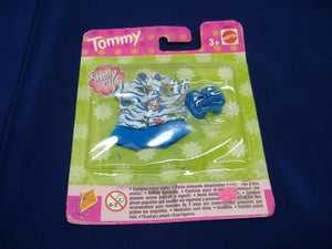 Mattel 68230 2 verschied. Modelle  tommy fashion shelly club Kleidung Neu & OVP