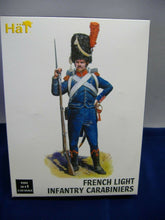 Laden Sie das Bild in den Galerie-Viewer, Hät 9303 French Light Infantry Carabiniers & 9401 Prussian Infantry 1:32 Neu/Ovp