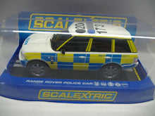 Laden Sie das Bild in den Galerie-Viewer, SCALEXTRIC analog C2808  Range Rover Police Car NEU & OVP