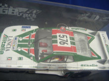 Laden Sie das Bild in den Galerie-Viewer, FLY GB38L Lancia Beta Montecarlo Giro d'Italia 1979 Slotcar analog 1:32 Neu &OVP