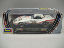 Laden Sie das Bild in den Galerie-Viewer, Revell 08354 Greenwood Corvette SLOTCAR ANALOG 1:32 NEU & OVP