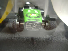 "Laden Sie das Bild in den Galerie-Viewer, SCALEXTRIC analog C2589 Caterham 7 ""30th Anniversary"" NEU & OVP"