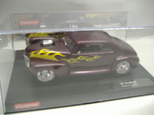 "Laden Sie das Bild in den Galerie-Viewer, Carrera 20224 ""41`Hot Rod Supercharged"" analoges Slotcar m. Licht 1:24 NEU & OVP"