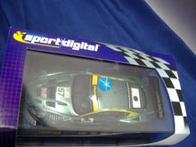 Laden Sie das Bild in den Galerie-Viewer, SCALEXTRIC digital C2644D Aston martin DBR9 No.57 NEU & OVP
