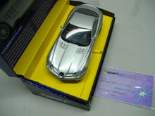 Laden Sie das Bild in den Galerie-Viewer, SCALEXTRIC C2632 A Mercedes Benz SLR Mc Laren Lim. Edition silber analog NEU & OVP