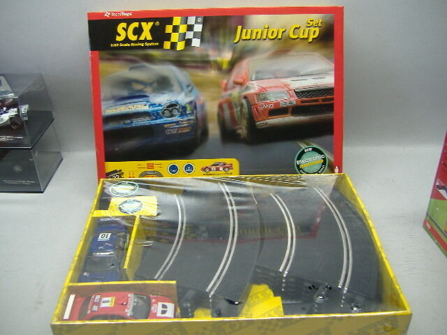 SCX 80590 Starter Set JUNIOR CUP 1:32 Scale Racing System NEU &  OVP