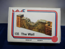 Laden Sie das Bild in den Galerie-Viewer, MMK RZ35014 The Wall/Wandstück Ruine & RZ35011 Country stony wall 1:35 Neu/Ovp