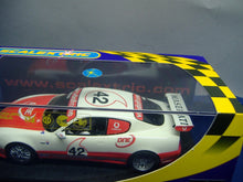 Laden Sie das Bild in den Galerie-Viewer, SCALEXTRIC C2504* Maserati Coupe Cambiocorsa  Trofeo 2003 No. 42 NEU & OVP