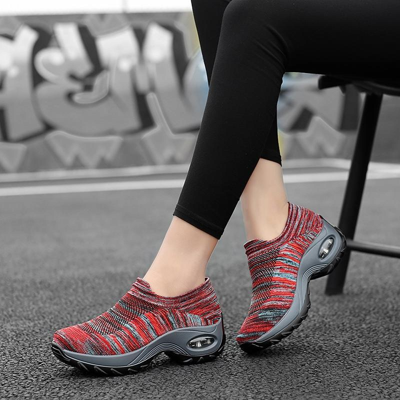 Women's Summer Slip-On Air-Permeable Hollow Mesh Fabric Casual Sneakers