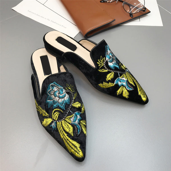 Super fire big size pointed embroidery baotou half slippers